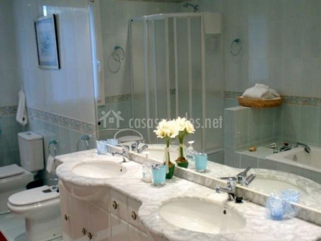 Suite 2 y lavabo doble