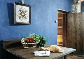 Banco de madera en la cocina