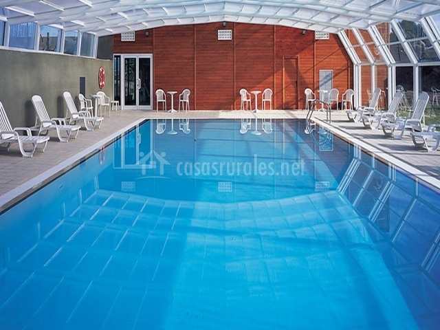 Vilar rural de cardona hoteles rurales en cardona for Hoteles con piscina climatizada