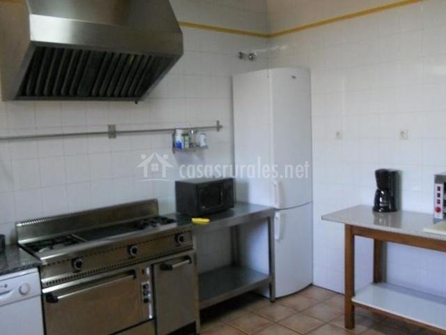 Casa rural colmenarejo en cuacos de yuste c ceres for Cocina industrial en casa