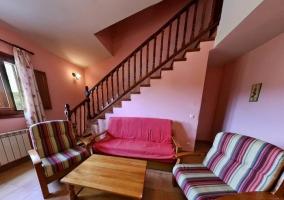 Salita con sillones y escaleras