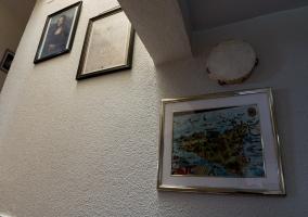 Detalles de la casa de acceso a la planta alta