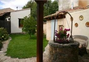 patio con pozo Alfar