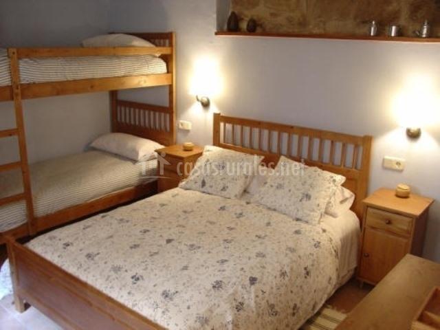 El rac de les grases en horta de sant joan tarragona - Litera con cama de matrimonio ...