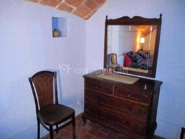 Detalle del mobiliario del dormitorio