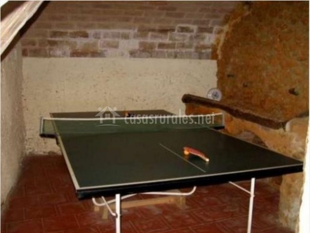 Sala con mesa para jugar al pingpong
