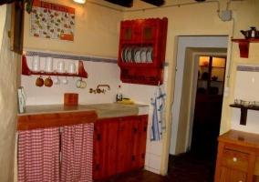 Cocina en tonos rojos