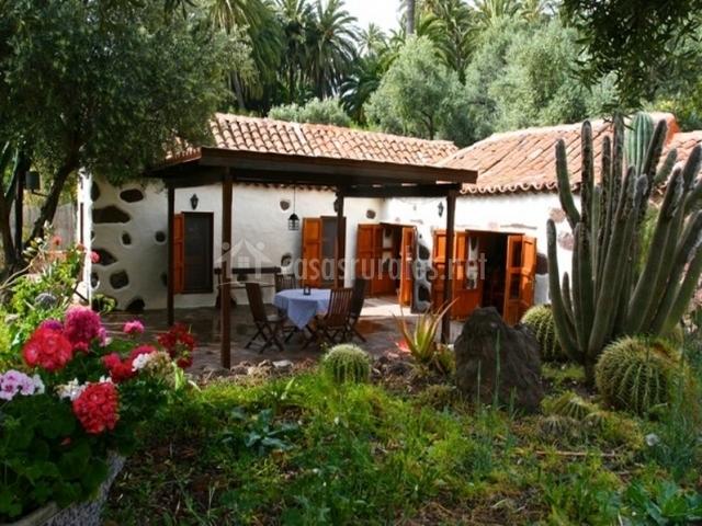 El palmeral del valle en santa lucia de tirajana gran for Casa rural jardin del desierto tabernas