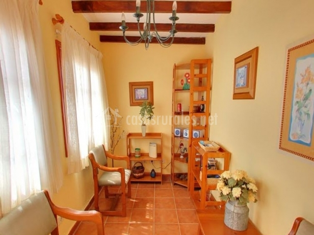 Casa rural el roque en el pinar v hierro el hierro - La casa de madera muebles ...