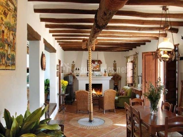 La casa grande casas rurales en casabermeja m laga - Casa rural de madera ...