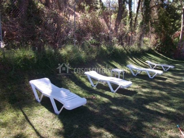 Caba as camping sierra pe ascosa en pe ascosa albacete for Tumbonas piscina baratas