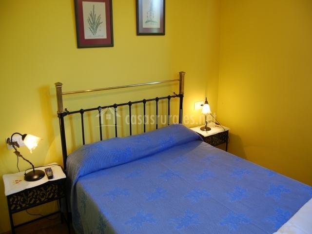 Habitación doble con cama de matrimonio.JPG