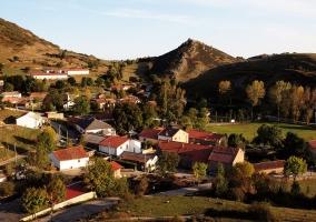 Casas y campos en Argüeso