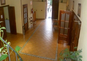 Hall y acceso a las habitaciones del hotel