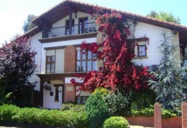 Apartamentos Dos Robles - Somo, Cantabria