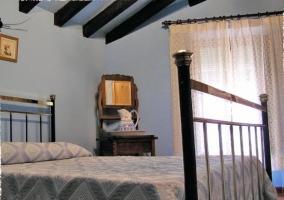 Dormitorio azul de la casa rural