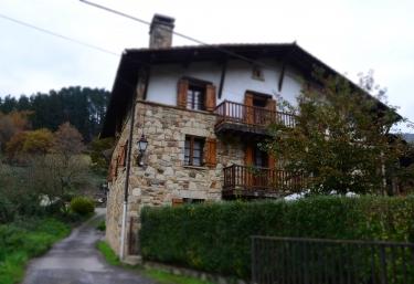 Caserío Angoitia I  - Zeanuri, Vizcaya