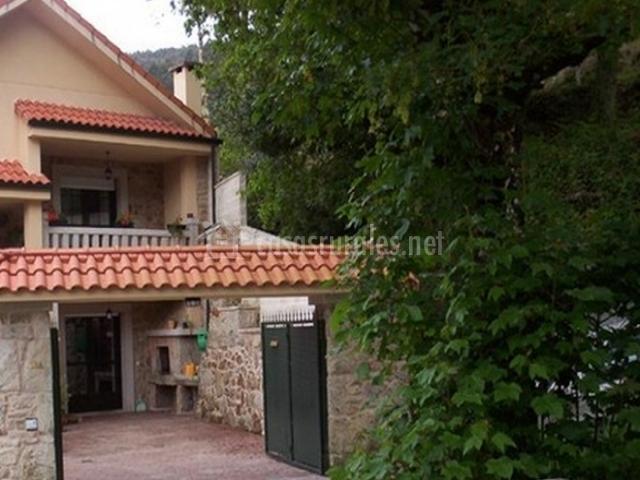 Casa a majita casas rurales en cuntis pontevedra for Muebles de cocina vicente de la fuente santiago de compostela