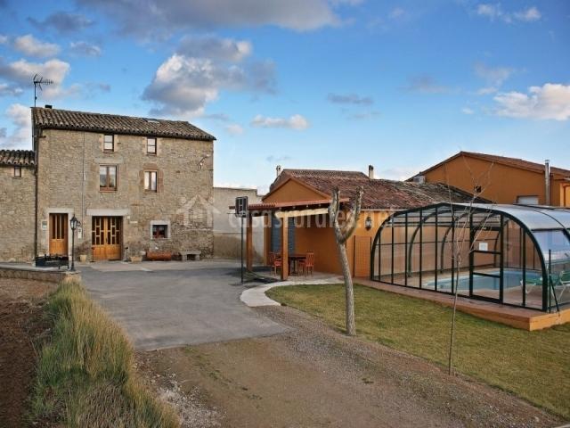 Cal borrasca en orista barcelona - Casa rural con piscina cubierta ...
