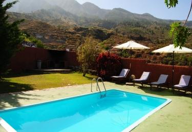 Casas rurales para dos personas en arafo for Casas rurales en el sur de tenerife con piscina