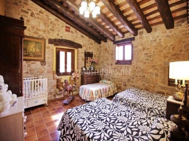 Dormitorio para parejas y niños