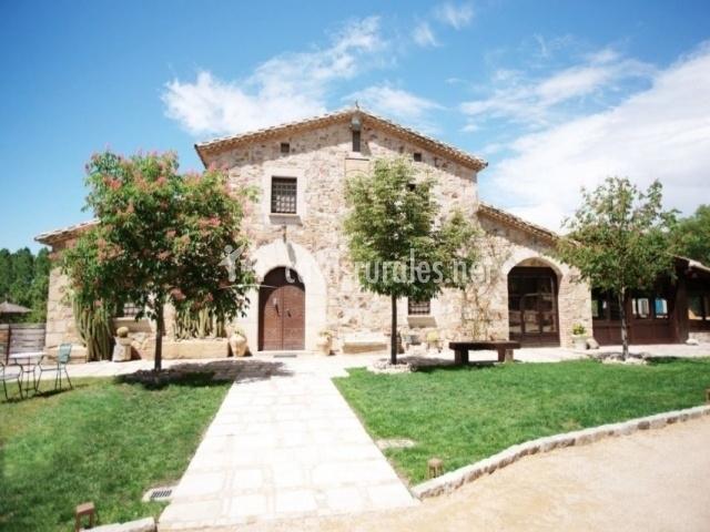 Fachada Casa Rural La Belladona