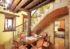 Escaleras del recibidor