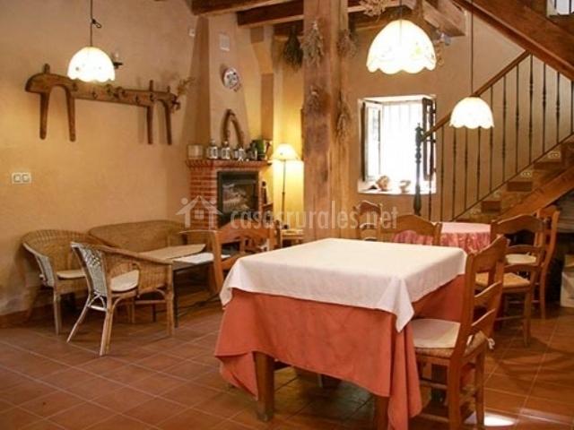 La huerta de san lorenzo en segovia capital segovia for Sala de estar y comedor