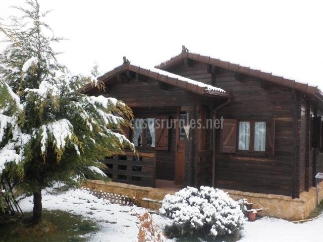 Caba as quercus en pe asrrubias de piron segovia - Casas rurales en la nieve ...