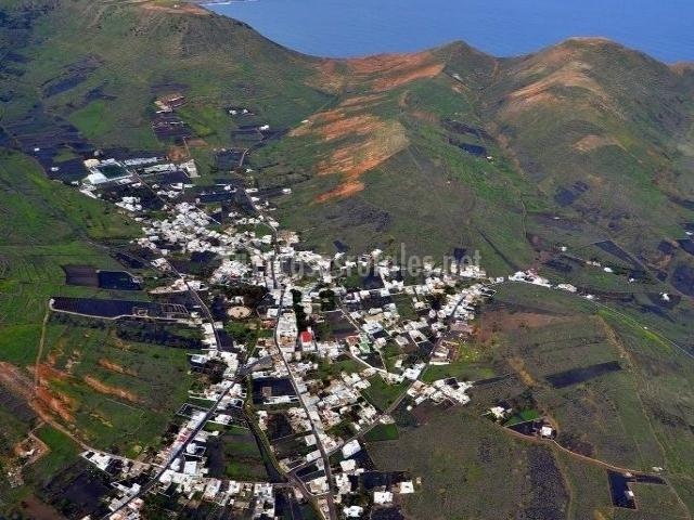 Zona centro del pueblo en el valle