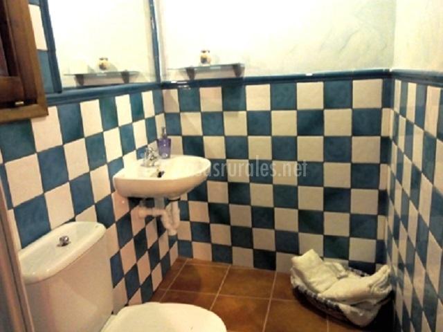 Casa marcelino en alcala de moncayo zaragoza - Banos con azulejos azules ...