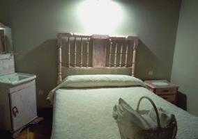 Baño y jacuzzi dentro del dormitorio