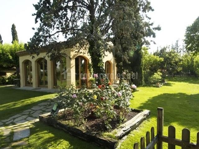 Mas virgili en el mila tarragona for Casa rural jardin del desierto tabernas