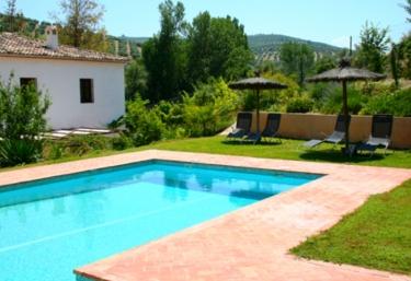 Casas rurales con piscina en cazorla for Casas rurales con piscina en alquiler