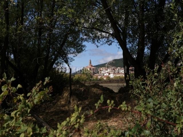 Vistas del pueblo desde el campo