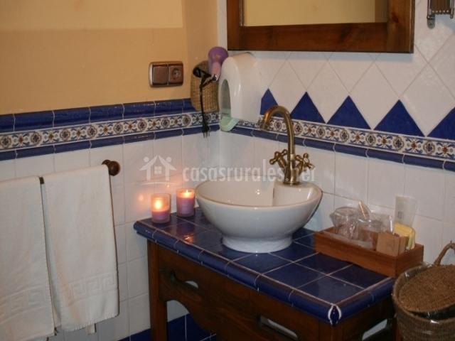 Baño con lavabo de pila