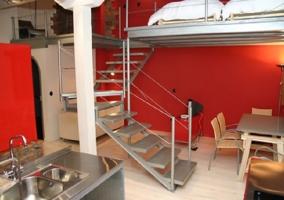 Cocina y escaleras de Store
