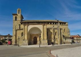 Fachada meridional de la iglesia de San Pedro