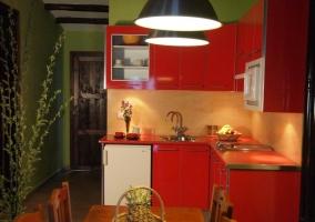 Cocina apartamento 4 pLAZAS