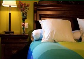 Detalle de la cama de matrimonio