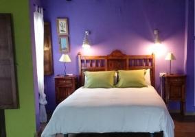 Dormitorio doble en azul de la casa rural