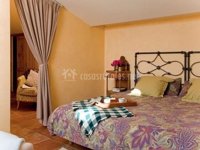 Dormitorio del apartamento Rocacorba