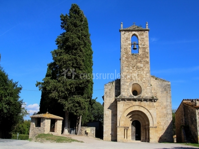 Iglesia de Porqueres