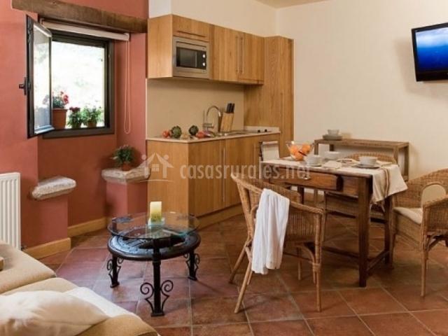 Salón y cocina de Pujarnol