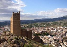 Entorno con torre antigua