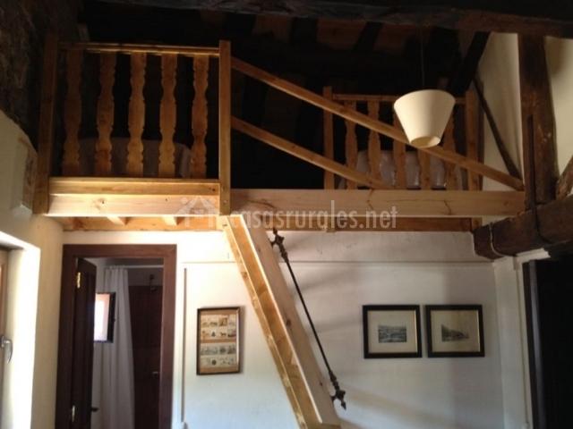 La llosuca en villaviciosa asturias - Altillo de madera ...