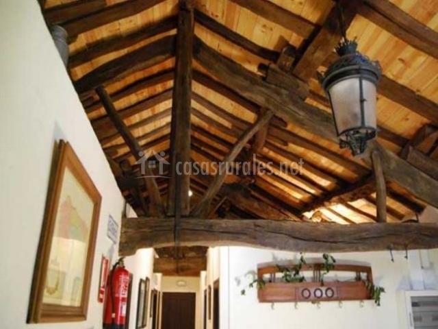 La llosuca en villaviciosa asturias for Tejados de madera rusticos