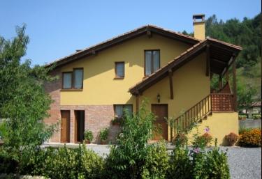 Apartamentos Río Tabardín - Llano De Con, Asturias