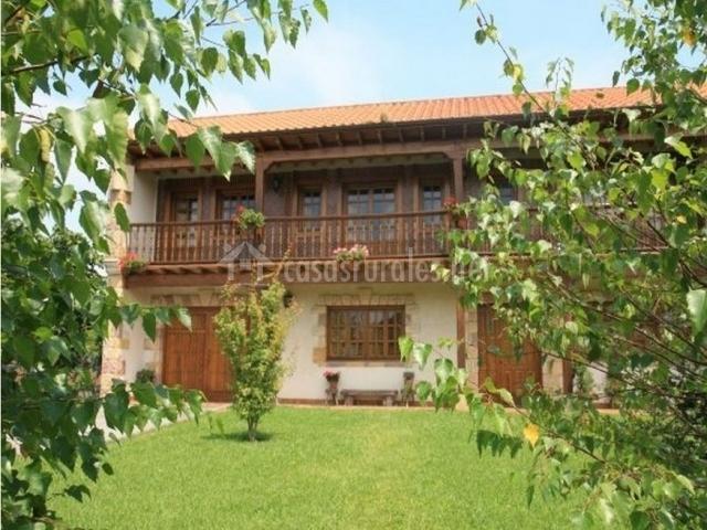 Casa monta esa casas rurales en guarnizo cantabria - Casa montanesa ...
