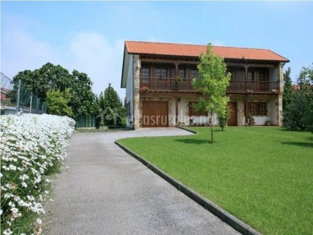 Casa monta esa casa rural en guarnizo cantabria - Casa montanesa ...